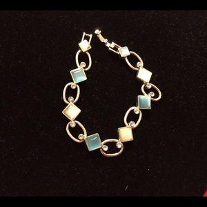 "Jewelry - Vintage cat eye bracelet with blue stones. 7""."